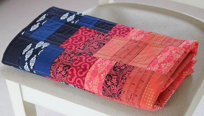 Easy baby quilt made by Kirsty at Bonjour Quilts