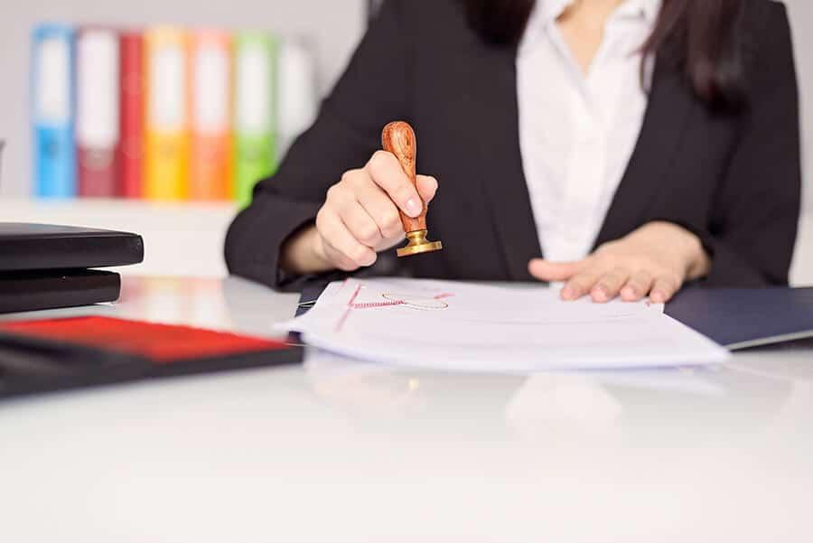 Traduction assermentée ou certification : quelle différence ?