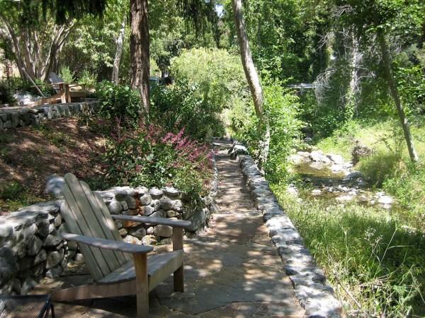 contact bonnies gardens landscape