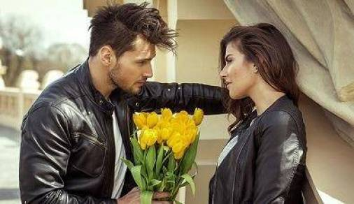 boyfriend giving roses