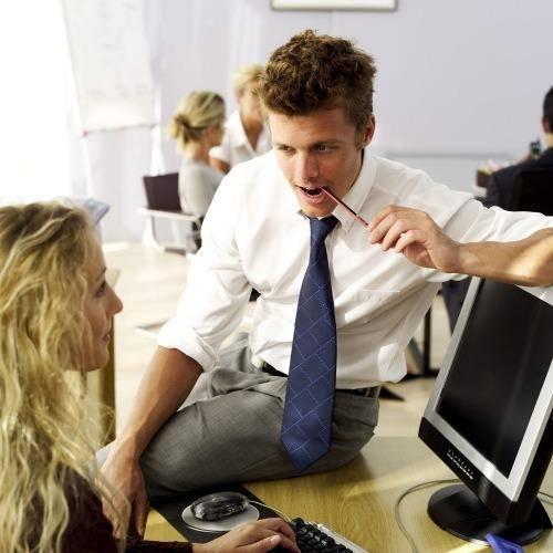 guy-flirting-at-work