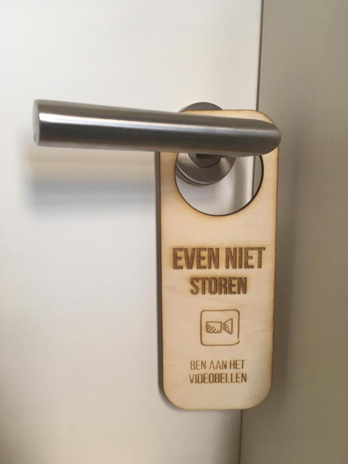 houten deurhanger videobellen