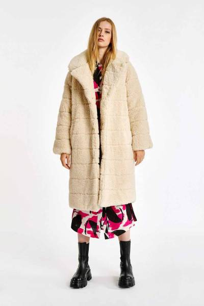 Alexander faux fur puffer coat off wh Essentiel