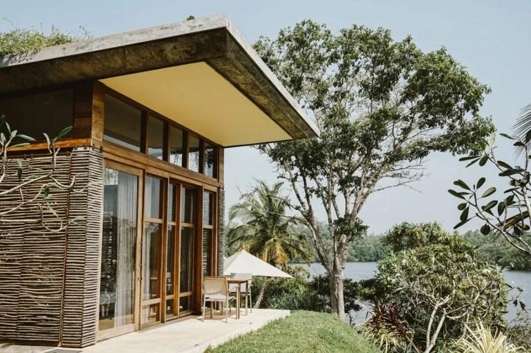 Staying in Koggala Lake at Hotel Tri Review