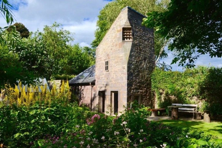 10 Amazing Edinburgh Airbnbs
