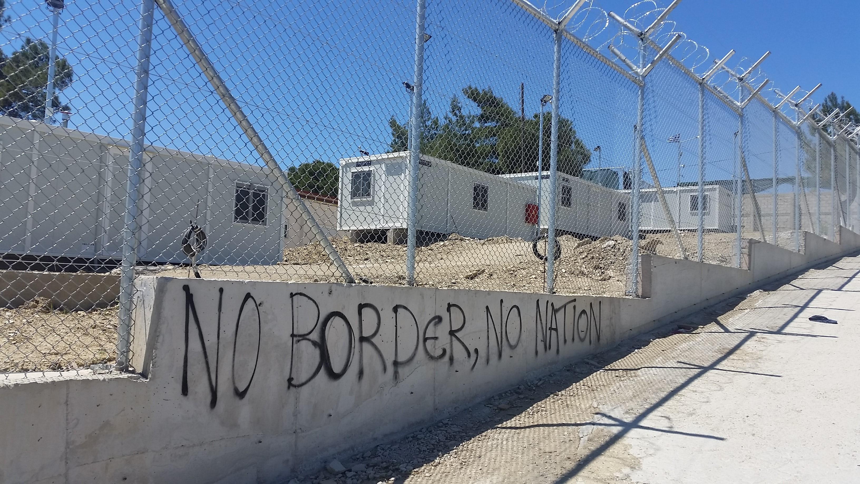 """No Border No Nation"" - Parole auf dem Lager Moria auf Lesbos"
