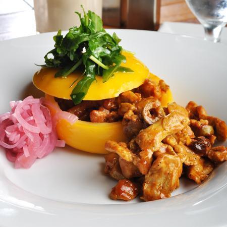 BEST of Aruba food : Keshi Yena !