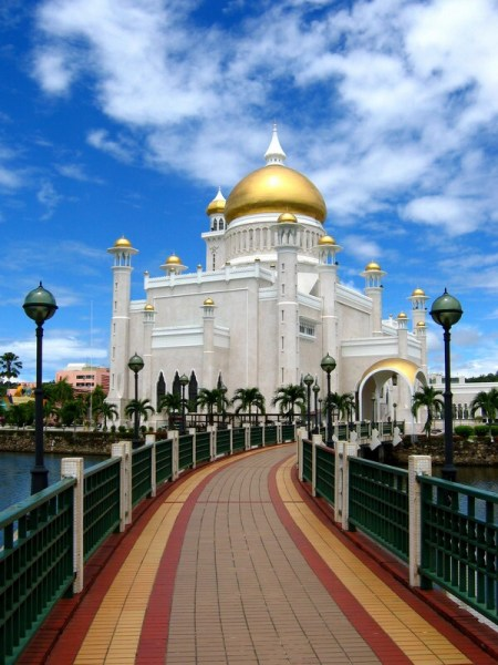 Brunei, the fifth richest country in the world!