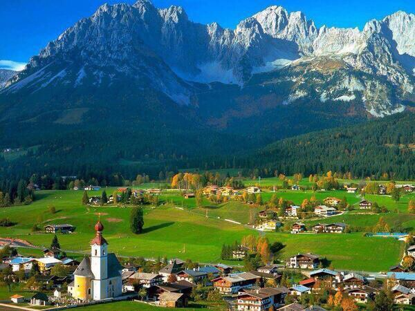 Austria, land of drop-dead gorgeous Alpine settings!