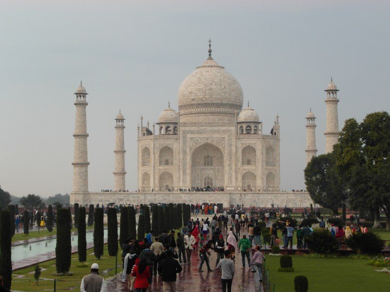 Taj Mahal : Full Moolight tour on Valentine's Day!