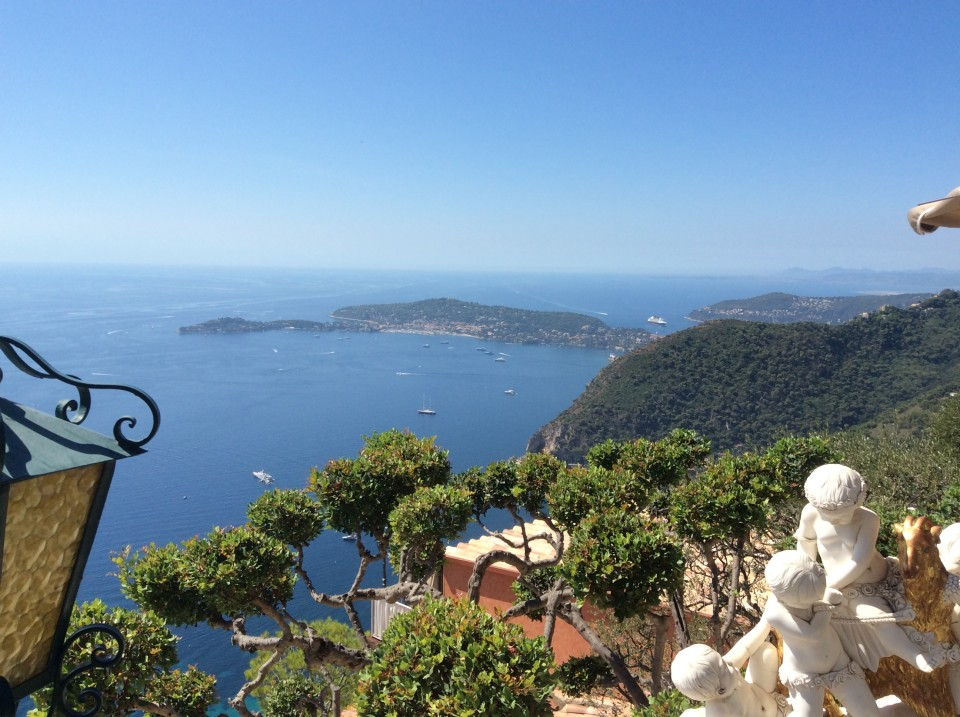 Eze france million dollar views of the french riviera for Cafe du jardin eze