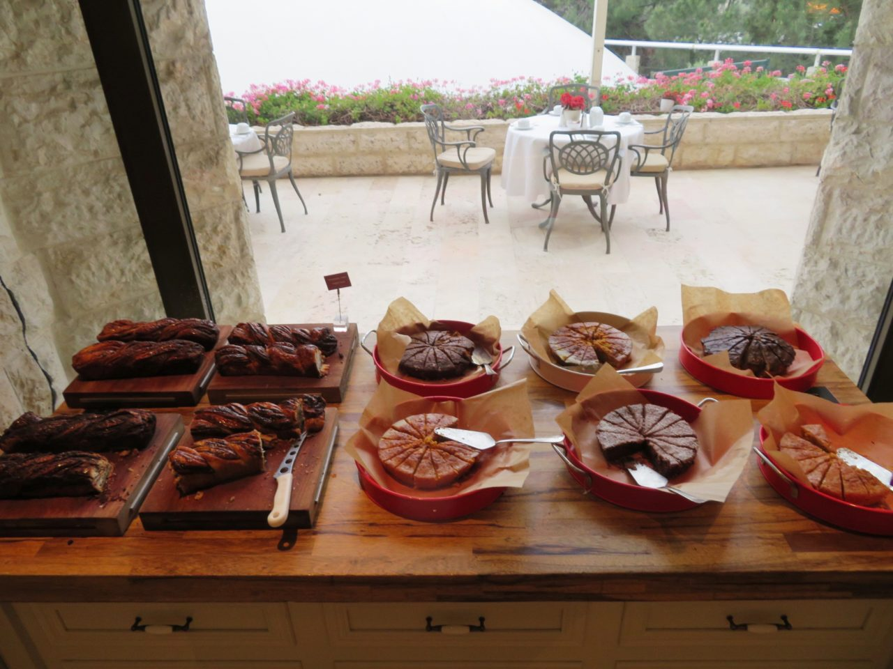 Vacationing in Israel ... Breakfast cakes at the Inbal Hotel in Jerusalem