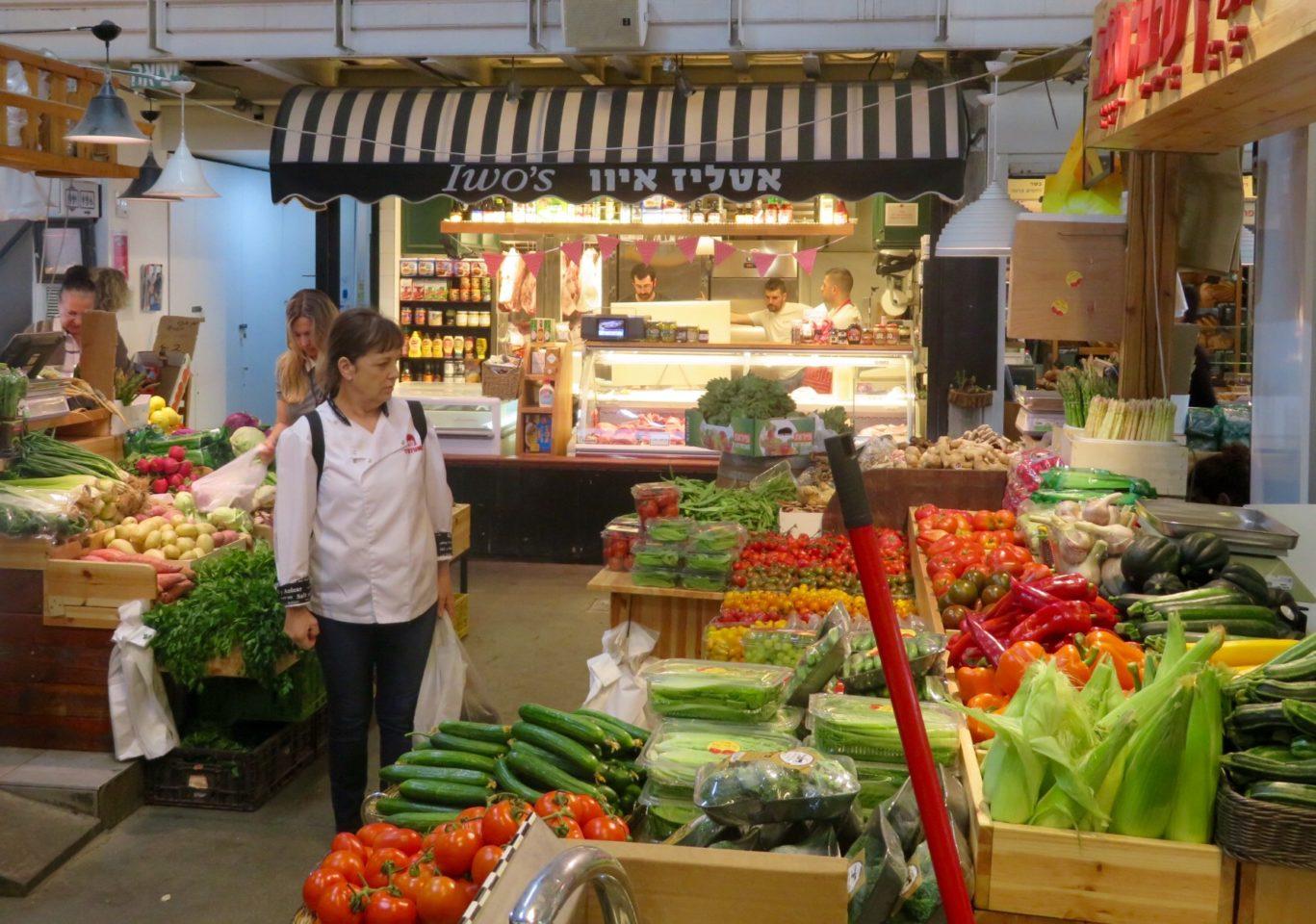 Tel Aviv Beach : The indoor / outdoor food market at the Old Port of Tel Aviv