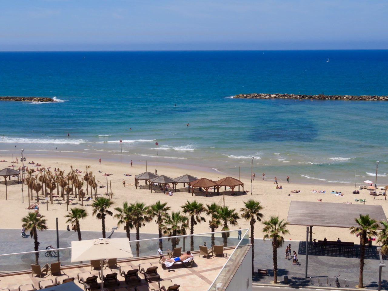 Tel Aviv Beach : View of Frishman Beach from our hotel room window