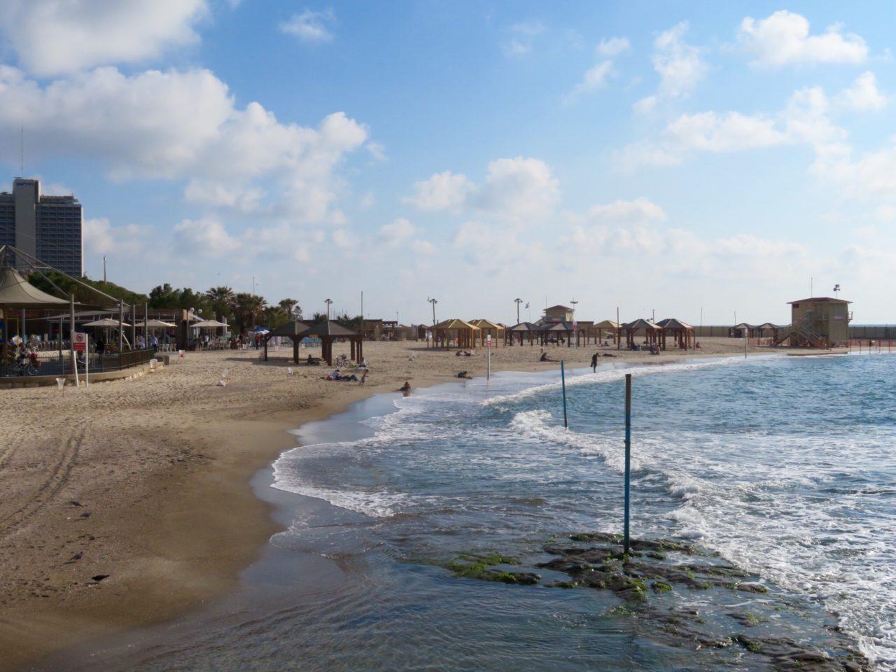 Tel Aviv Beach : The Metzitzim Beach, just south of the Old Port of Tel Aviv