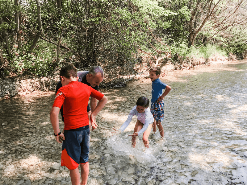 provence-with-kids-tourlourenc-river
