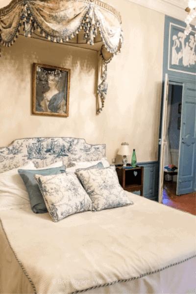 chateau-de-la-barben-granet-suite-bedroom
