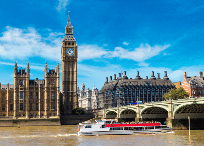 five-days-in-london-itinerary-boat-ride-river-thames
