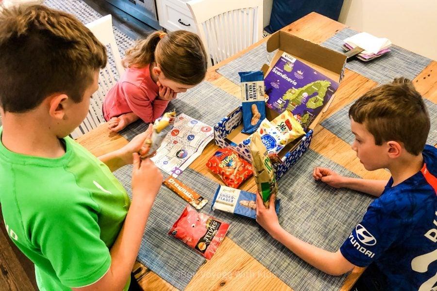 universal yums kids looking at box