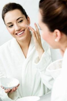 Make-up base with fresh cream