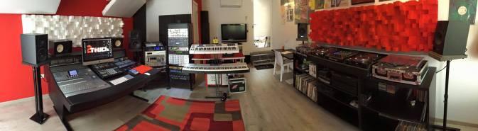 2Touch Studio's - El Medino