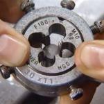Schroefdraad snijden instructie