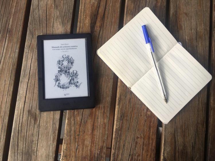 recensione manuale di scrittura creativa libro di vania russo