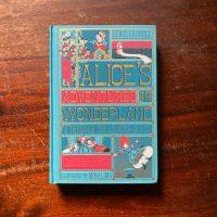 Recensione di Le avventure di Alice nel paese delle meraviglie di Lewis Carroll