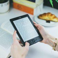 #LeggiUnEbookAncheTu: Leggere digitale fa male agli occhi?