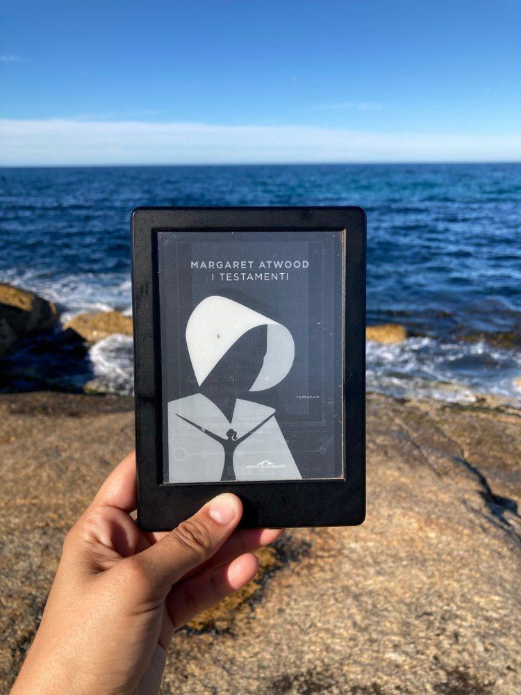 I testamenti recensione libro Margaret Atwood