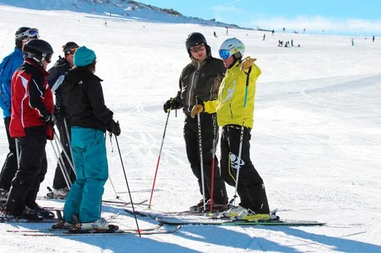 Adult Group ski lessons in St Gervais