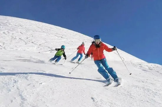 Children's Group ski lessons in St Gervais