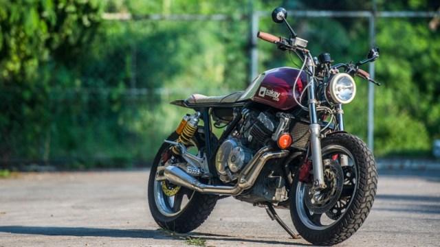 Rent motorbike Honda CB 400cc Brat tracker Paranaque city