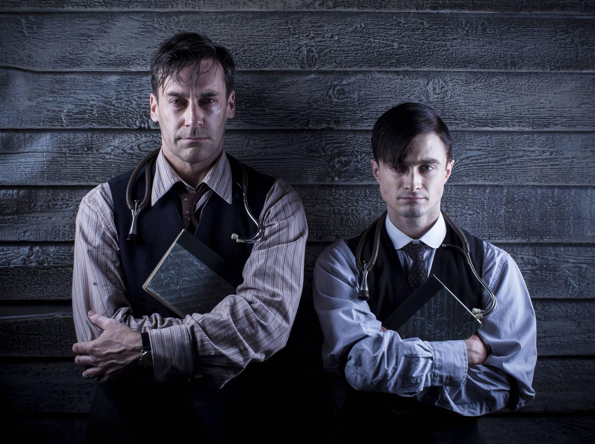 """""""Însemnările unui tânăr medic"""", o bijuterie cinematografică după Mihail Bulgakov, cu """"Don Draper și Harry Potter"""""""