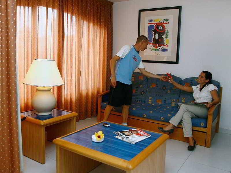 Promo 81 Off Apartamentos Las Palmeras Fuerteventura Spain