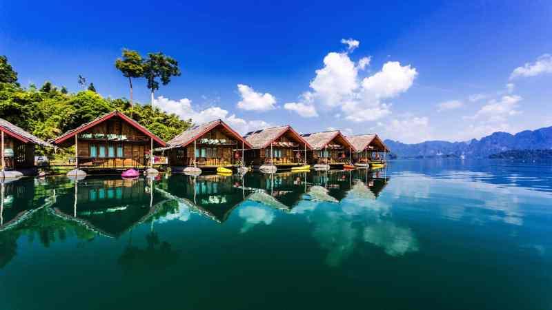Cheow Lan Lake bungalows, Khao Sok