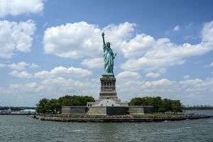 Statue of Liberty | New York Top Free and Ticketed Attractions | Book FHR Blog