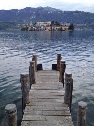 Lago d'Orta - vista su Isola San Giulio - bookingpiemonte