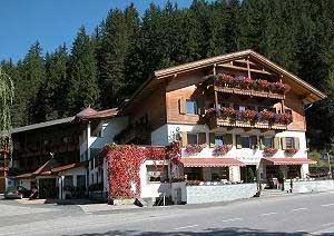 Hotel Posta Pederoa prenotazione albergo La Valle Hotel in