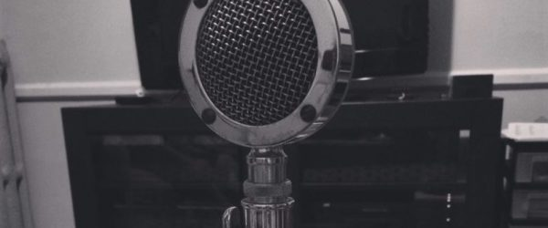 old-radio-mic-donnas