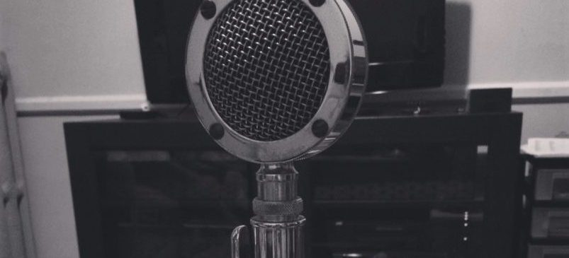 old-radio-mic-donnas