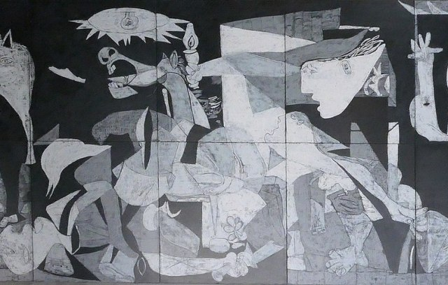 Extra_large_1200px-guernica_rathaus_pf