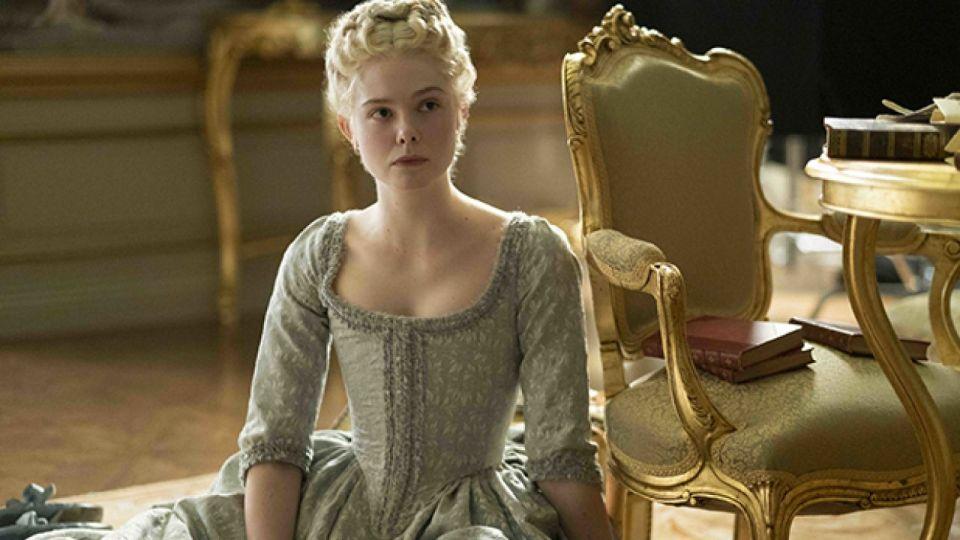 Elle Fanning als Katharina die Große in The Great