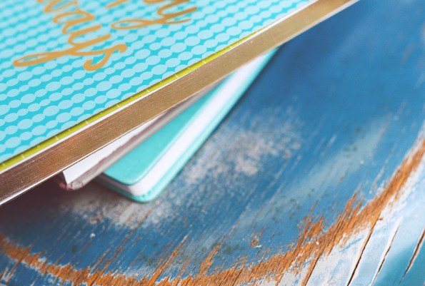 Prasówka: o biednym pisarzu, skręcaniu mebli i książek nieczytaniu