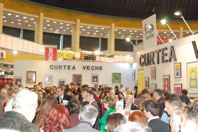 Standul-Curtea-Veche-Publishing