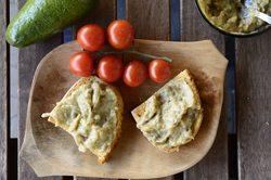 Salata-de-vinete-cu-avocado