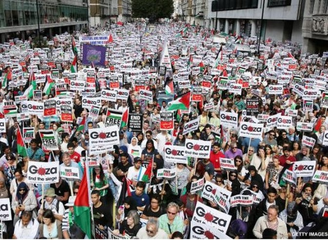 Gaza supporters march on London