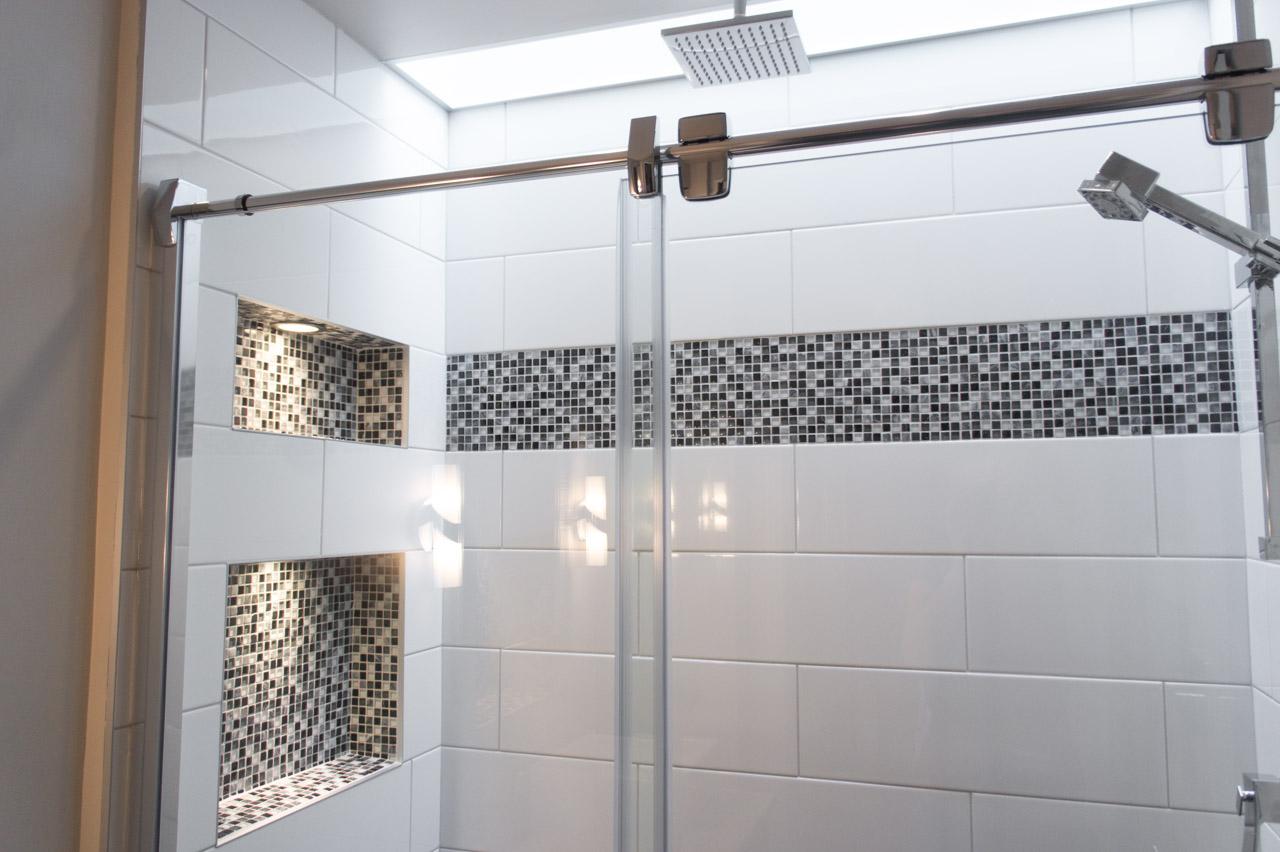 Une douche ensoleille  BoomDesignca