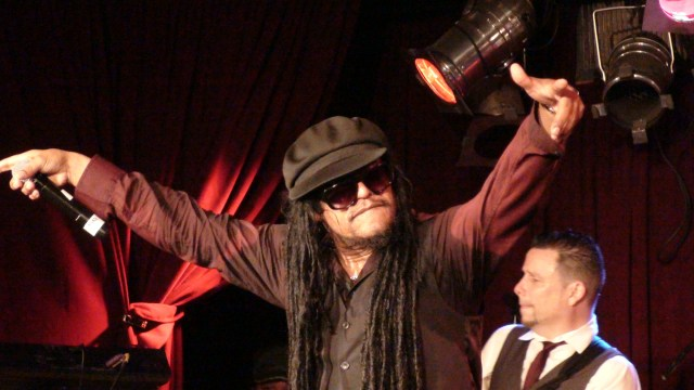 Maxi Priest Leaves It All On Stage