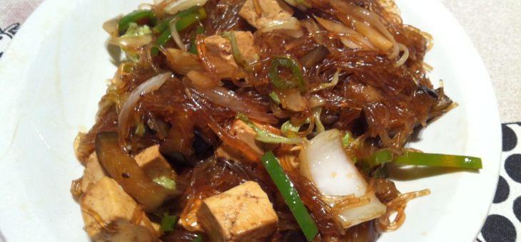 Fideus amb verdures i tofu